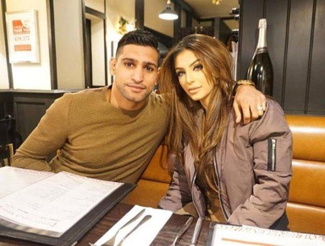 Ünlü boksör Amir Khan'ın karısı olan Faryal Makhdoom Khan, kızı Lamaisah'ın doğum günü partisi için 100 bin sterlin harcadı.