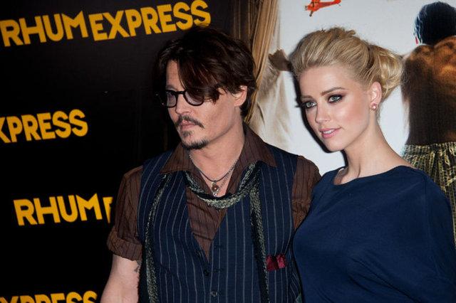Johnny Depp boşanmak için tablolarını satıyor