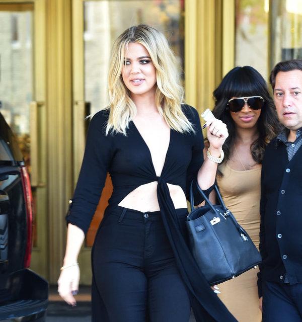 31 yaşındaki Khloe Kardashian, önceki gün Beverly Hills'te objektiflere takıldı.
