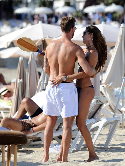 Dünyaca ünlü model Izabel Goulart tatil için Ibiza'yı seçti.