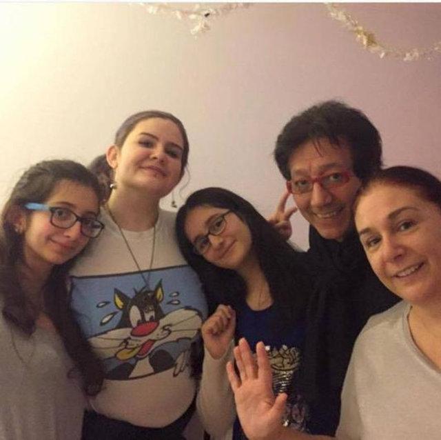Burçin Orhon ile Süheyl Uygur'un kızları Zeynep Lara liseden mezun oldu.