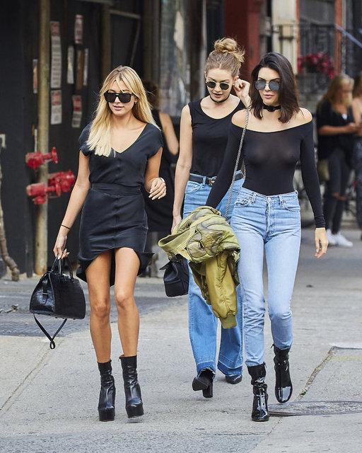 Son dönemim popüler modelleri Haley Baldwin, Gigi Hadid ve Kendal Jenner New York'ta görüntülendi.