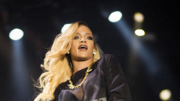 Rihanna'nın gizemli gözyaşları
