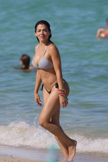 Brezilya'nın ünlü modellerinden Danella Urbay, Miami'de objektiflere yansıdı.