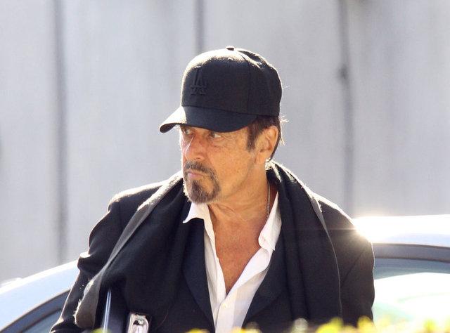 Al Pacino göbek yaptı