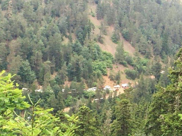 Giresun'da bölgedeki karakollara bayramlaşmaya giden komutanlar ile yakınlarının bulunduğu askeri helikopter, Tohumluk Yaylası'na düştü.