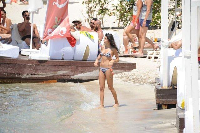 Nuri ALTUNTAŞ/HABERTÜRK MAGAZİNGüzel oyuncu Serenay Aktaş, tatil için Bodrum'u tercih etti.