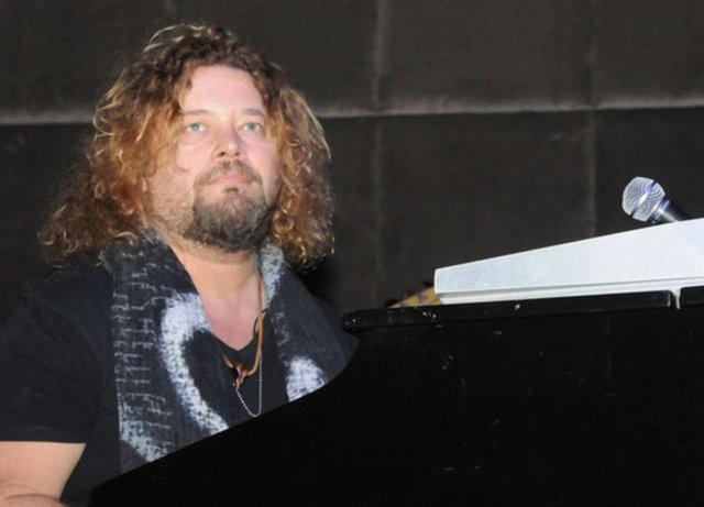AYTEKİN TEKER / ateker@haberturk.com Ünlü müzisyen İskender Paydaş kilolarından kurtuldu.