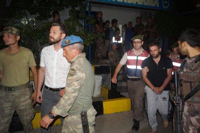 Marmaris'te yakalanan darbeci suikastçi askerlerin sorgusu sürüyor