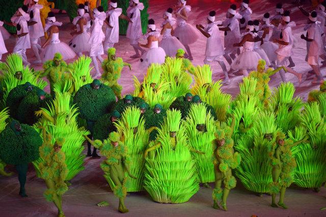 Kapanış töreninde renkli görüntüler