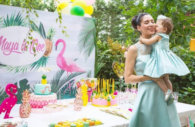 Nefise Karatay, kızı Maya'nın doğum gününü önceki gün ailesi ve yakın dostlarıyla kutladı.