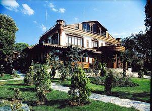 Adnan Oktar'ın lüks çiftlik evi