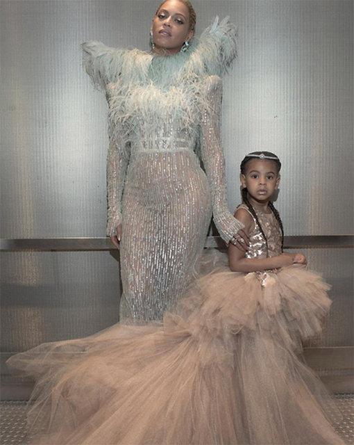 2016 MTV Video Müzik Ödülleri'nin yıldızı olan Beyonce, geceye dört yaşındaki kızı Blue Ivy Carter ile birlikte katıldı.