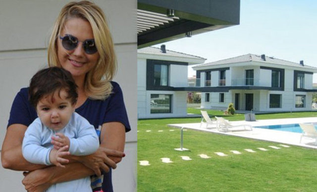 Hürriyet'in haberine göre; Ece Erken, 3 yıldır yaz aylarını geçirdiği Çeşme-Alaçatı'daki evini satılığa çıkardı.