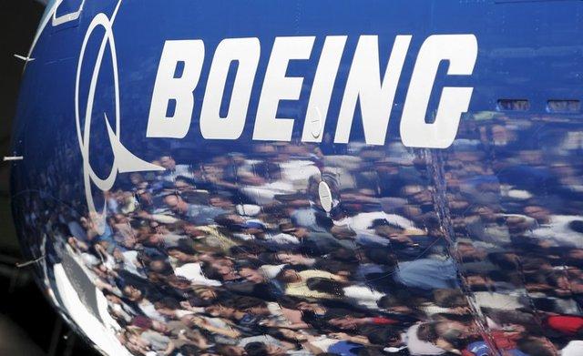 Uzun uçuşlarda sıklıkla yaşanan jetlag soruna çözüm arayan Boeing teknisyenleri, yeni üretilen A 787 Dreamliner'ın, bileşik gövdesinde plastik alaşımlı karbon fiber yerine alüminyum alaşım kullanılabileceğini belirtiyor.