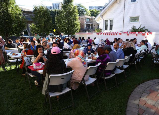 New Jersey Bergen Diyanet Camii de gurbetteki Türklerin bayramı birlikte idrak etmek için buluştukları diğer bir adresti.