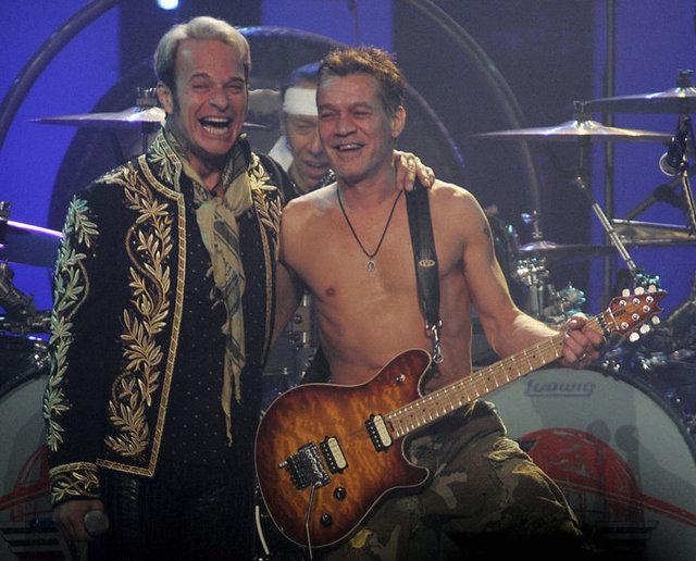 """Amerikalı hard rock grubu Van Halen ülkesinde verdiği konser öncesi organizatörlerden kuliste """"Kahverengi olanları ayıklanmış bir kase şeker drajesi"""" isteyerek şaşkınlık yarattı."""