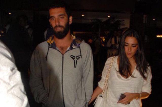 İspanya'nın Barcelona takımında oynayan Arda Turan, Bahçeköy'de bir siteden villa satın aldı.