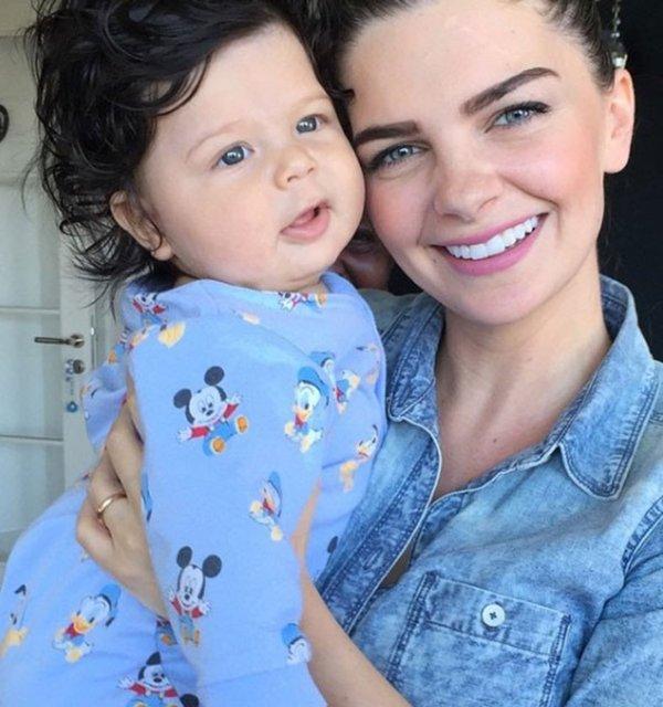 Ünlü oyuncu Pelin Karahan, ikinci bebeğine hamile.