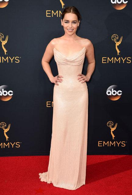 Emmy öncesi ünlü yıldızlar kırmızı halıda boy gösterdi