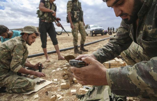 Türk Silahlı Kuvvetlerince (TSK) sürdürülen Fırat Kalkanı Harekatı kapsamında, Suriye'nin kuzeyindeki Tall Atiyah ve El Athariyah bölgelerine düzenlenen hava harekatında, bölgede tespit edilen 4 DAEŞ hedefi imha edildi.