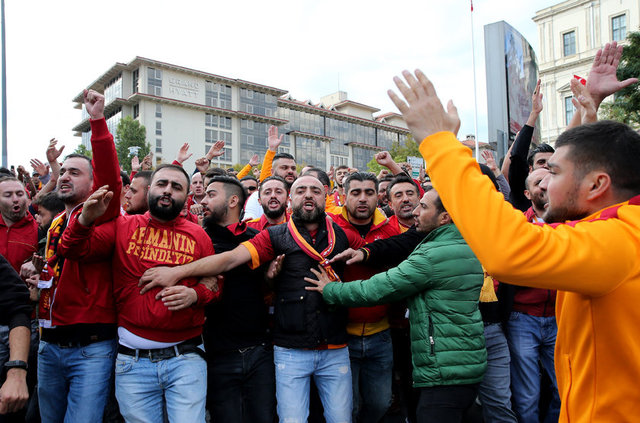 Galatasaray taraftarı Vodafone Arena'da