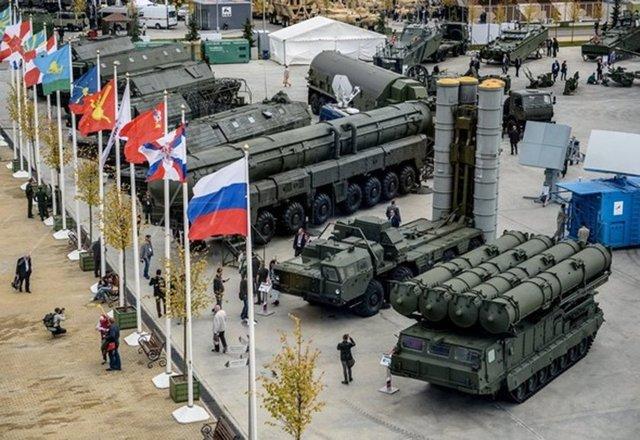 Rusya'nın Moskova kentinde gerçekleştirilen uluslararası Army-2016 (Ordu-2016) forumunda Rusya'nın askeri teknolojileri gösterildi.