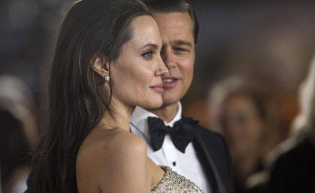 Angelina Jolie ve Brad Pitt'in heykelleri yan yana sergileniyor
