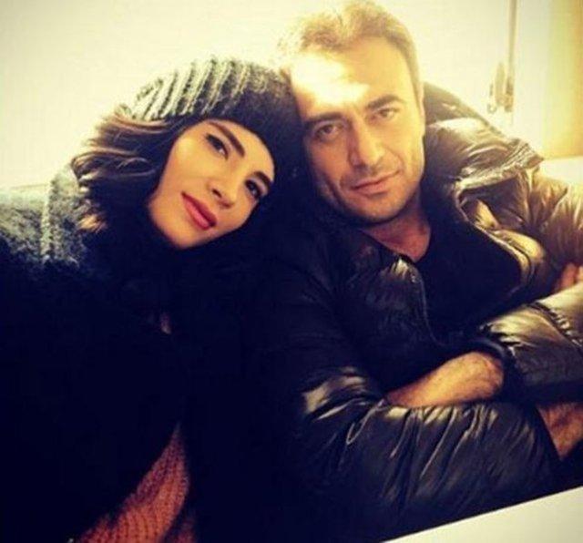 Şarkıcı Kutsi, 2008'de evlendiği Sinem Bayraktutar'ı 2014'te oyuncu Feyza Çıpa ile aldatmıştı.