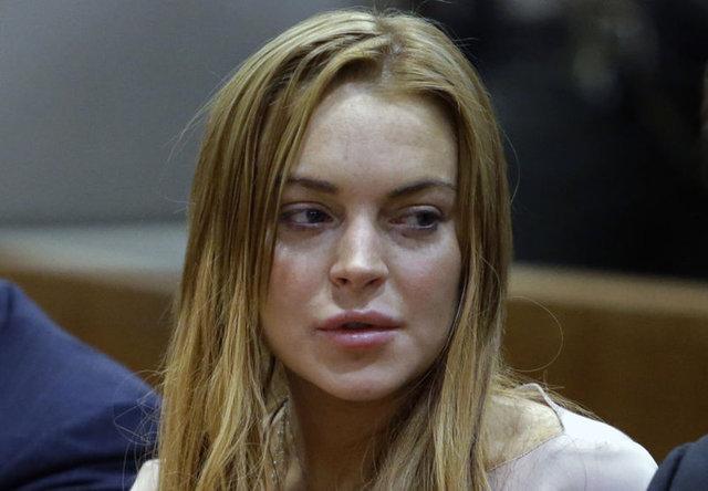 Bir süre önce Türkiye'ye gelen ünlü oyuncu Lindsay Lohan çıktığı tekne gezintisinde neredeyse bir parmağını kaybediyordu.