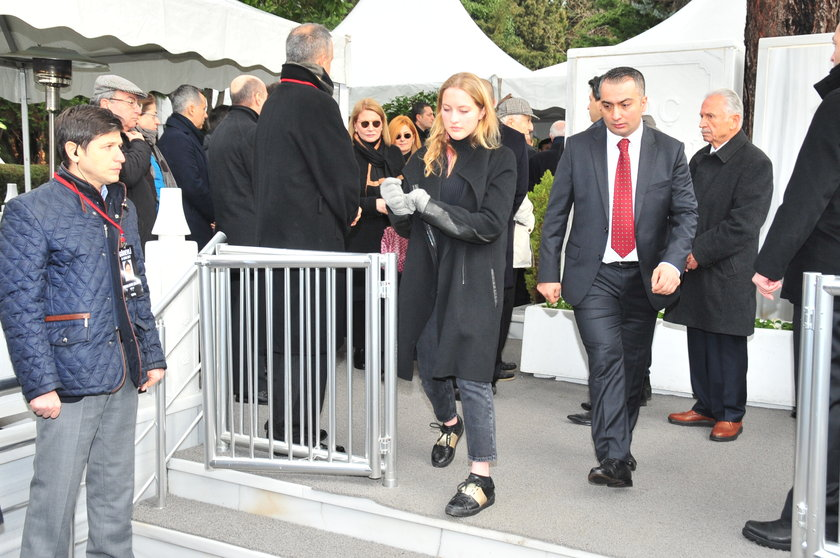 <p>AYLİN KO&Ccedil;</p>