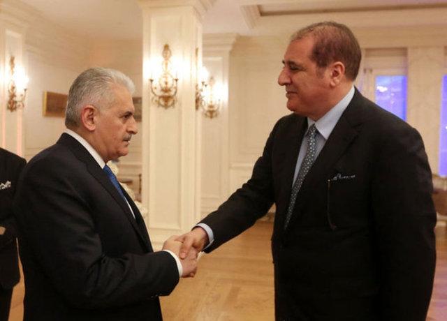 Başbakan Binali Yıldırım ve Ciner Medya Yönetim Kurulu Başkanı M. Kenan Tekdağ ortak yayın öncesinde bir süre sohbet etti.