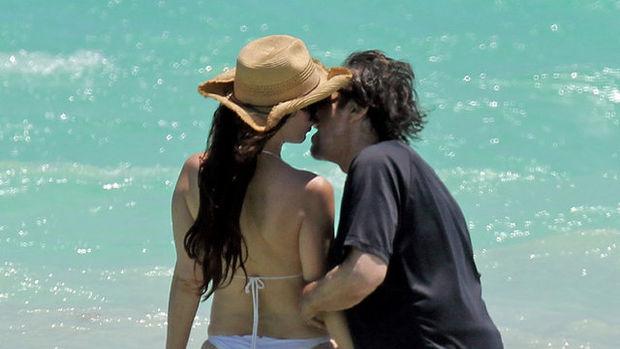 Al Pacino sevgilisiyle tatilde