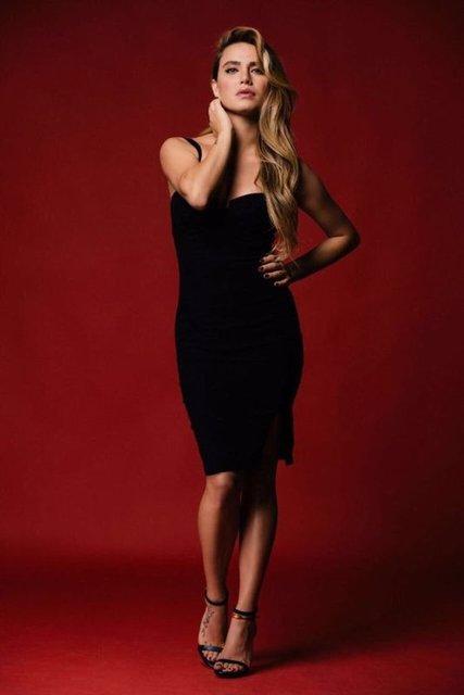 Oyunculuk out, modellik in! İşadamı sevgilisi Buğra Toplusoy uğruna oyunculuğu bırakıp ABD'ye yerleşen Ceyda Ateş model oldu.