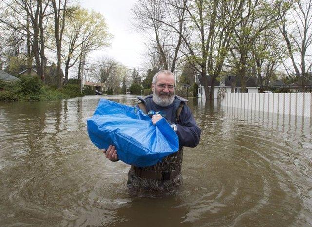 Quebec Halk Güvenliği Bakanı Martin Coiteux, eyalette 146 kentin sel baskınlarına maruz kaldığını açıklarken, Montreal ve Gatineau kentlerinde 20 yıl aradan sonra ilk kez olağanüstü hal ilan edildi.