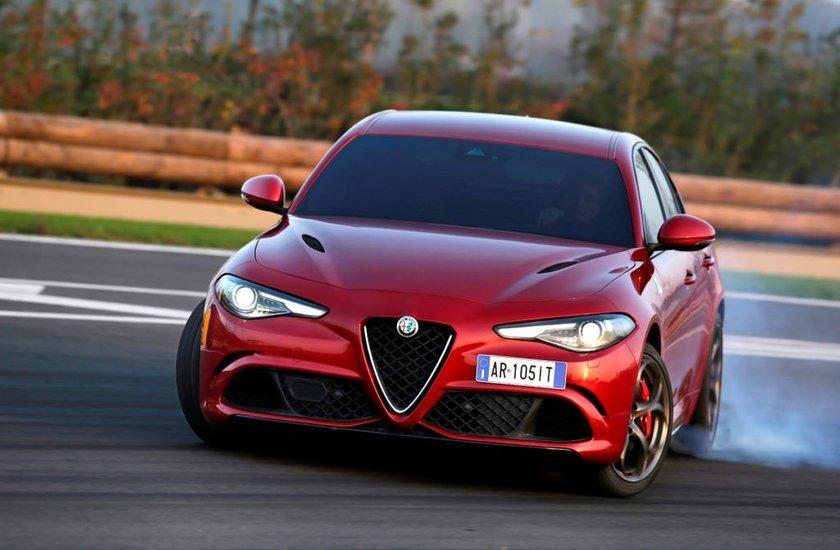 <p><strong>Marka:</strong>Alfa Romeo</p>\n<p><strong>Model:</strong>Giulia</p>\n<p><strong>Toplam Satış:</strong>11</p>