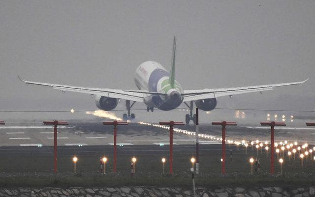 100. Shanghai Havaalanı, Çin