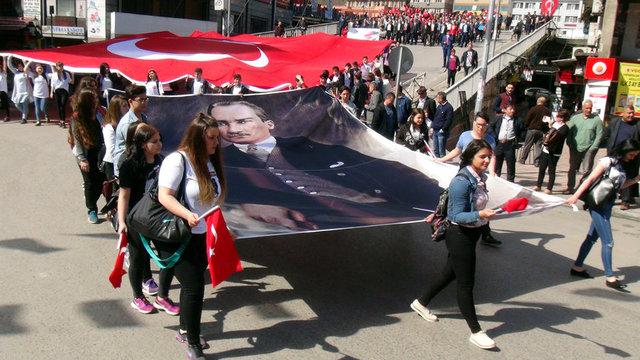 ZONGULDAK 19 Mayıs Atatürk'ü Anma, Gençlik ve Spor Bayramı, Zonguldak'ta çeşitli etkinliklere kutlandı.