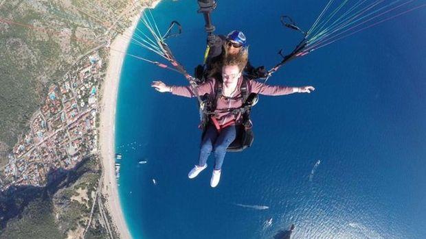 Yürüme engelli İngiliz turist Rosa Spencer hayalini Fethiye'de gerçekleştirdi!