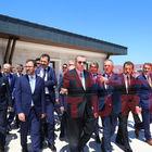 Cumhurbaşkanı Recep Tayyip Erdoğan okul inşaatını inceledi