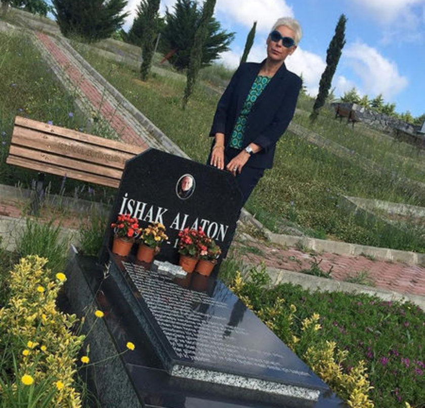 <p>LEYLA ALATON</p>