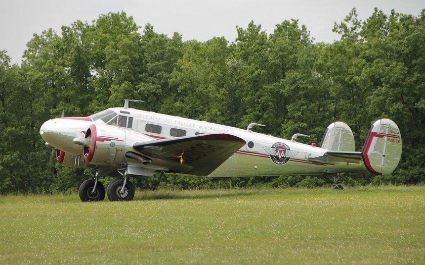 <p>Beechcraft - Beechcraft D18 - ABD</p>