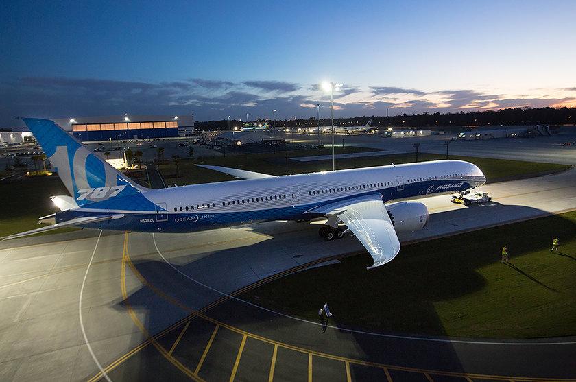 <p>Boeing - 787-10 - ABD</p>