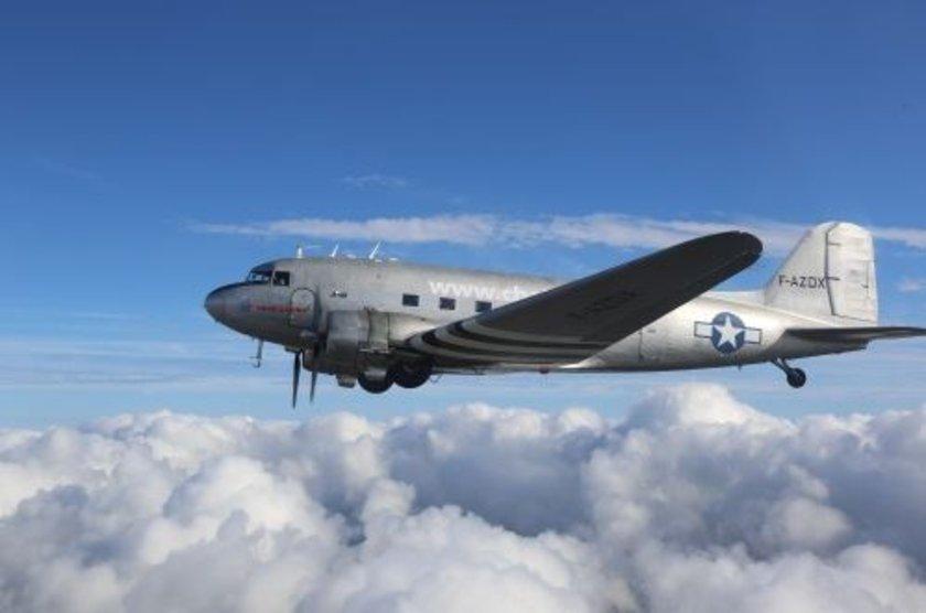 <p>Douglas DC-3 - ABD</p>