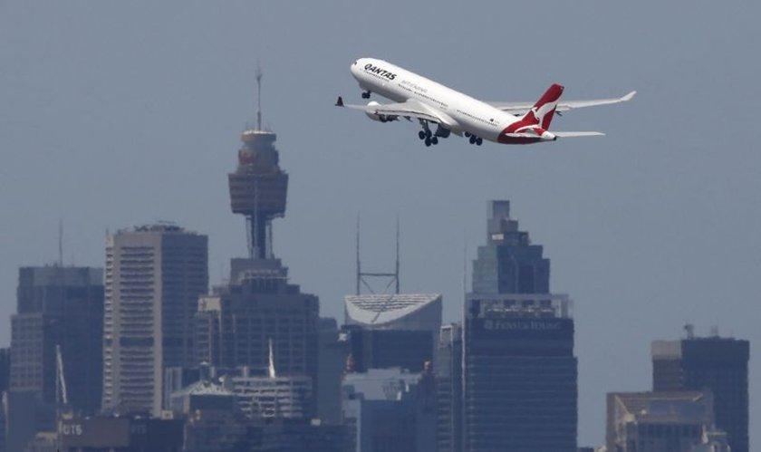 <p>15 - QANTAS AIRWAYS</p>\n<p>(Avustralya)</p>