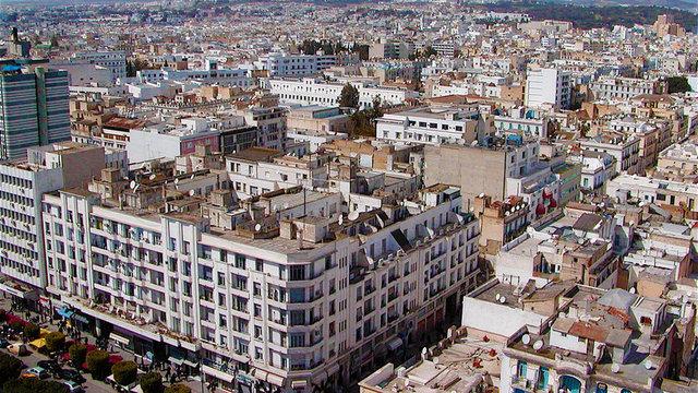 Yönetim danışmanlığı firması Mercer'in, 5 kıtada 209 şehri kapsayan 2017 yılı Yaşam Maliyeti Araştırması sonuçları açıklandı. 2017 yılında dünyanın en pahalı şehri Luanda olurken, geçtiğimiz yıl listede 101'inci sırada yer alan İstanbul, bu yıl sıralamada 41 basamak dütü. İstanbul'daki yaşam maliyetinin diğer şehirlere göre ucuzlamasında döviz kurlarındaki hareketlilik ve TL'nin dolar karşısındaki değer kaybı etkili oldu.