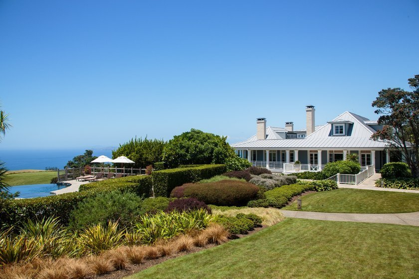 <p>4. Lodge (Kauri Cliffs),Matauri Koyu, Yeni Zelanda</p>