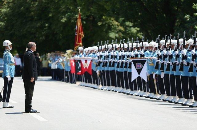 Cumhurbaşkanı Recep Tayyip Erdoğan, 15 Temmuz Demokrasi ve Milli Birlik Günü dolayısıyla yapılacak özel oturumu izlemek üzere TBMM'ye geldi.