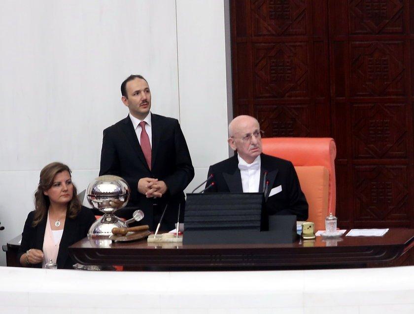 <p>TBMM Başkanı İsmail Kahraman ise, 15 Temmuz gecesi, darbe girişimi sırasında Meclisi açtığını ve Genel Kurulu topladığını anımsatarak, \