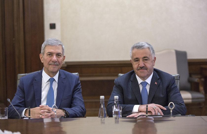 <p>Sağlık Bakanı Ahmet Demircan (solda)</p>\n<p>Ulaştırma, Denizcilik ve Haberleşme Bakanı Ahmet Arslan (sağda)</p>